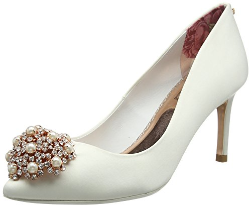 Ted Baker Women Dahrlin Closed Toe Ballet Flats White (Ivory)