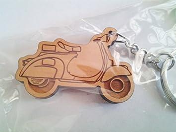 Amazon.com: Llavero de madera llavero, diseño de moto Vespa ...