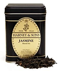 Made from Pouchong tea that is slightly browner than green tea. Fresh jasmine flowers are added to produce a delicate and fragrant brew.