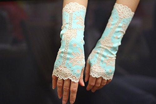 (Azure and White Lace Fingerless Gloves / Burlesque / Gothic / Steampunk / Caberet / Bohemian / Elegant / Romantic / Vintage / Victorian)