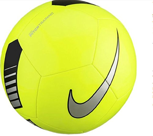 Review Nike Pitch Training Soccer