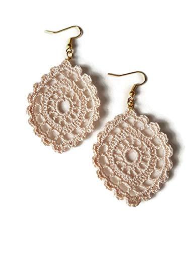 5aeeed5c1d320 Pendientes colgantes beige regalo de la joyería de encaje para su óvalo de  crochet hecho a