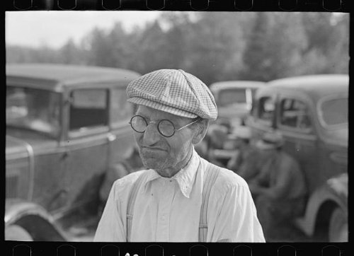 Photo: Farmer at auction of S.W. Sparlin,Orth,Minnesota