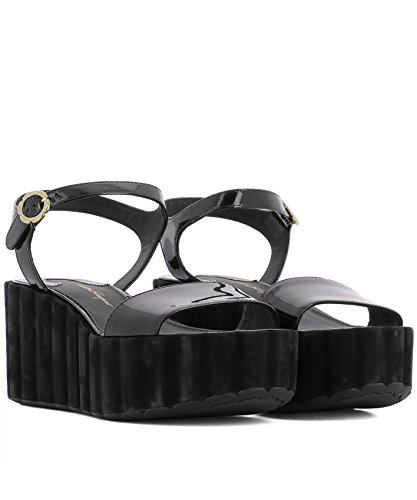 Salvatore Ferragamo Women's 0684893 Black Rubber Sandals buy cheap amazon outlet low shipping fee clearance discounts countdown package cheap online top quality sale online M2s2FbJIC5