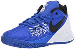 Run the court in the Kyrie Flytrap II. Built to be quick and agile, this mid-top shoe has soft foam in the heel for cushioning and support, while its curved outsole gives you excellent traction.