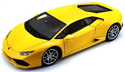 Bburago 1:18 Scale Lamborghini Huracan Diecast Vehicle (Colors May Vary)