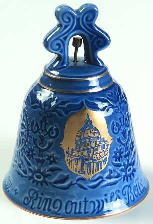 1975 Bing & Grondahl Christmas Bell --Basilica di San Pietro -- Rome