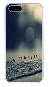 Each Day Gift PC Case Cover Protector for iPhone 5 and iPhone 5S White