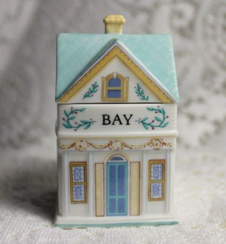 (Lenox 'Spice Village' Porcelain Victorian House Spice Jar - Bay Leaf)