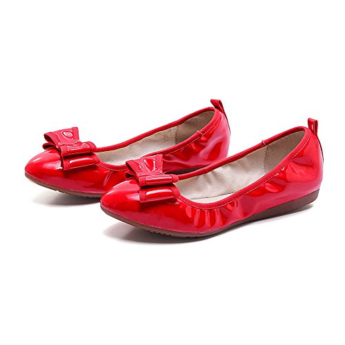 AmoonyFashion Womens No Heel Patent Leather Solid Pull On Round Closed Toe Flats-Shoes Red FxrkJ