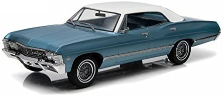 1967 Chevrolet Impala Sport Sedan - Nantucket Blue with White Top Model Car in 1:18 Scale by Greenlight