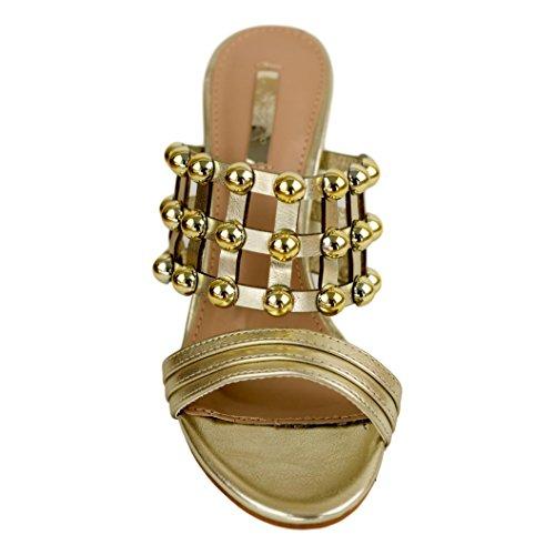 Buonarotti Sandalia de Tacón Destalonada. de Color Metalizado y con Detalles Metálicos. Medida del Tacón: 8 cm. Oro