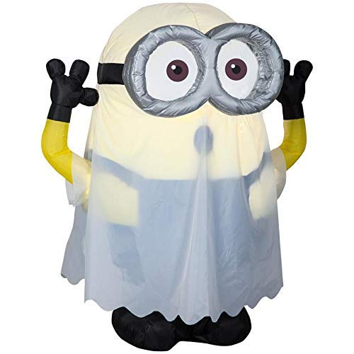 Illumination Entertainment Despicable Me 3.51-ft x 2.99-ft Lighted Minion Halloween Inflatable]()