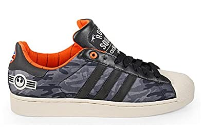 hot sale online 32801 88c3b Image Unavailable. Image not available for. Colour  adidas Star Wars  Trainers Superstar 2 Originals ...