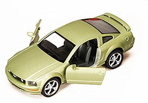 Kinsmart Lime Green 2006 Ford Mustang GT Hardtop 1/38 Scale Diecast ()