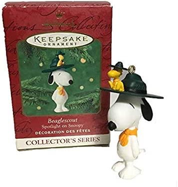 Hallmark Peanuts Snoopy Sitting on 2018 Ornament