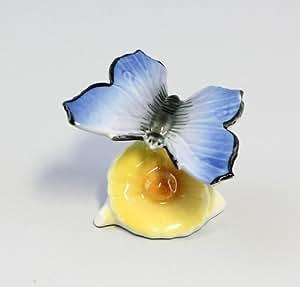 Diseño de mariposa en flor