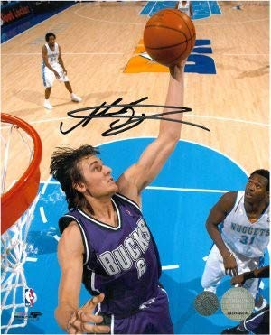 Andrew Bogut Autographed Signed Milwaukee Bucks 8x10 Photo dunking - Certified Authentic