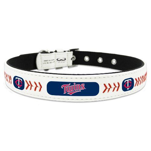 (MLB Minnesota Twins Classic Leather Baseball Dog Collar (Toy))