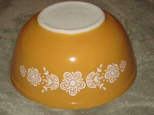 - 1960-70's Vintage Pyrex Glass