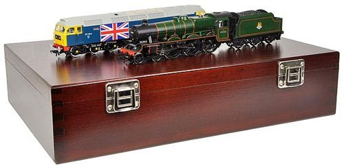 Graham Farish 370-2014 Bachmann N Scale Silver Anniversary Set with Class 5P Jubilee & Class 47 Locos in Wooden Box with Certificate