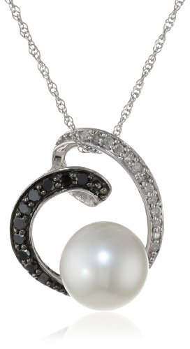 10k White Gold Freshwater Cultured Pearl and Black and White Diamond Pendant Necklace, (0.14 cttw, G-H Color, I3 Clarity), 18″