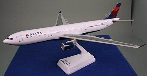 Airbus A330 300 - Delta (07-Cur) A330-300 Airplane Miniature Model Snap Fit 1:200 # AAB-33030H-011