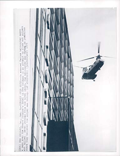Vintage Photos 1973 Photo Gunship Hotel New Orleans La Howard Johnson Helicopter Crime 7X9
