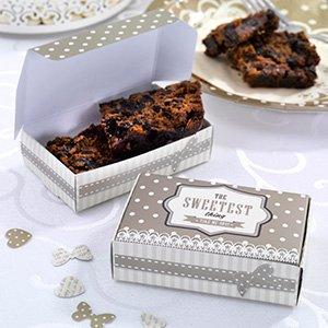 Pequeñas cajas de cartón para bombones, pequeños pasteles y