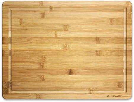 Navaris Planche à Découper en Bambou - Planche Découpe 45 x 34 x 1,8cm Viande Pain Poisson Fruits Légumes Fromage - Ustensile Cuisine avec Rigole