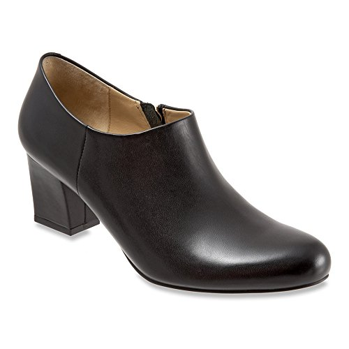 Women's Trotters 'Penny' Round Toe Ankle Bootie, Size 8.5 W