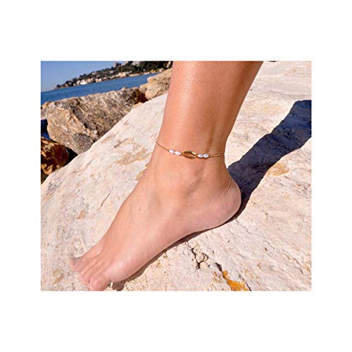 Mevecco Gold Dainty Natural Seashell Anklet for Women,14K Gold Plated Beach Boho Cute Cultured Pearl Foot Chain Natural Cowire Ankle Bracelet for Teen Girls ()