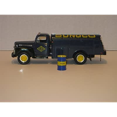 First Gear Die Cast, 28-1055, 1951 Ford Tank Truck with Sunoco Logo, Coin Bank, 1/34th Scale: Toys & Games