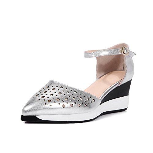 Amoonyfashion Femmes Fermé Bout Pointu Boucle Pu Solide Chaton Talons Pompes Chaussures Argent
