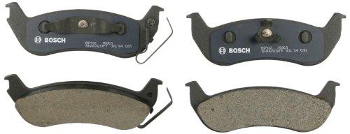 Bosch BP932 QuietCast Premium Semi-Metallic Disc Brake Pad Set For Select Ford Crown Victoria, Ranger; Lincoln Town Car; Mercury Grand Marquis, Marauder; Rear