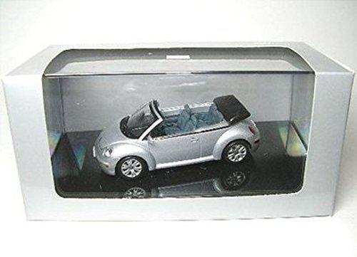 1/43 VW ニュービートル カブリオレシルバー 597585の商品画像