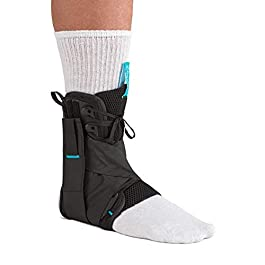 Ossur Formfit Ankle Brace with Figure 8 Straps – for Ankle Sprains, Strains & Chronic Instability – Figure 8 Straps Provide Additional Support by Limiting Range of Motion (Medium)