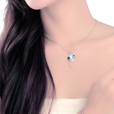 Chaomingzhen Sterling Silver Cubic Zirconia Heart Shaped Four Leaf Clover Pendant Necklace for Women