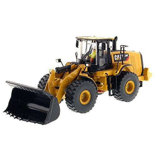 (Diecast Masters 1/50 Caterpillar 972M Wheel Loader- High Line Series)