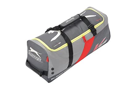 eddc3600fa Image Unavailable. Image not available for. Colour: Slazenger V 55 Cricket  Duffle Bag