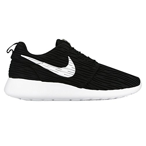 Nike Womens Roshe One Eng Black White Textile Trainers 8 US