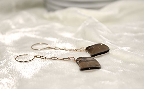 14K solid gold earrings with gold chain,and 2 smooth smoky quartz organic shapes ()