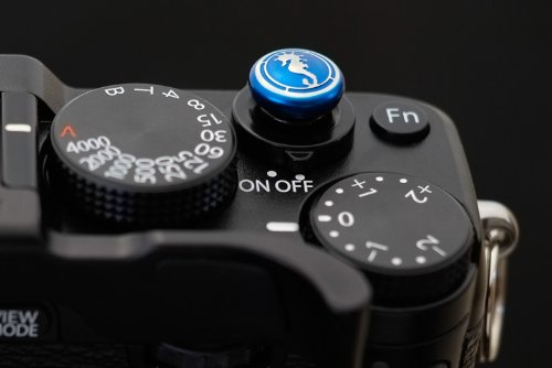 Lensmate Seahorse Soft Release Button - Blue - fits any standard threaded release - Fujifilm X-E3, X-E2s, X-E2, X-T2, X-Pro2, X-T20 & X-T10, X100F & X100T & X100s
