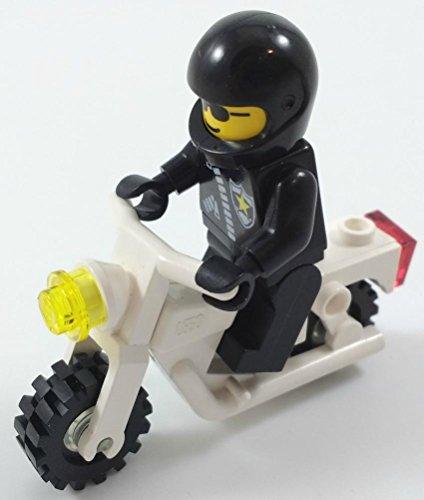 Lego POLICEMAN Minifigure on MOTORCYCLE Vehicle