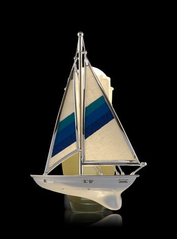 Bath and Body Works Sailboat Nightlight Wallflowers Fragrance Plug.