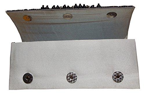 Clutch ricamato a mano per donna con perle nere di Spice Art