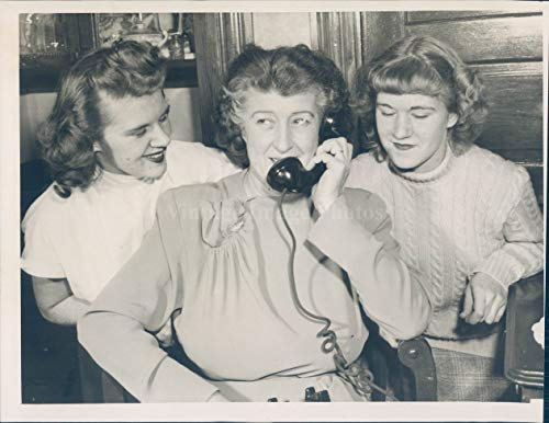(1949 Photo Arthur Danforth Wife Daughters Nancy Barbara Vintage Phone Women 6x8)