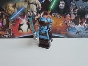 Lego Star Wars 8098 - Figura en miniatura de Aayla Secura con espada láser