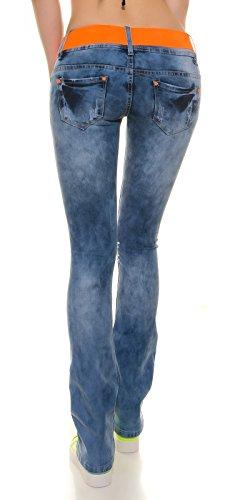 SchlagJeans im Usedlook mit Rissen+Gürtel, blau