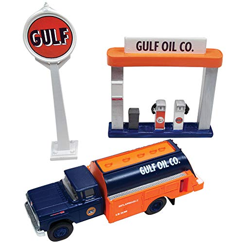 ROUND 2 LLC 1960 Ford Gulf Oil Tank Truck, Sign, & Gas Pump Island - 1:87 Scale Die Cast